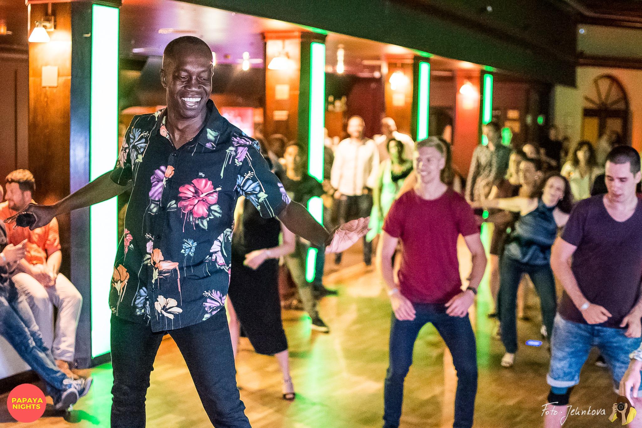 ruben dance_kurzy salsy, bachaty, karibských tanců v praze